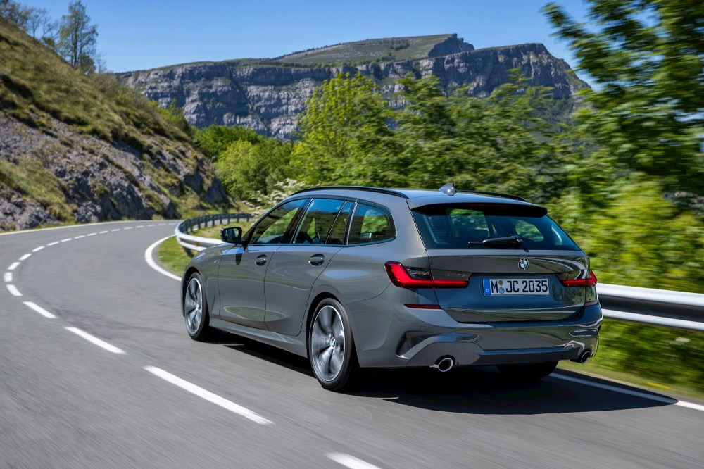 medium resolution of as standard the 3 series touring will get an 8 speed sports automatic transmission bmw s all wheel drive system xdrive plus parking assistant including