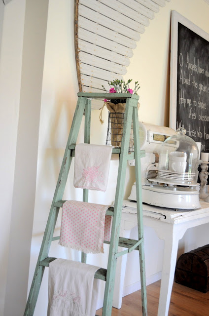 25 Unique Ways to Decorate with Vintage Ladders  Driven by Decor