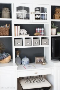 How to Decorate Shelves & Bookcases: Simple Formulas That ...