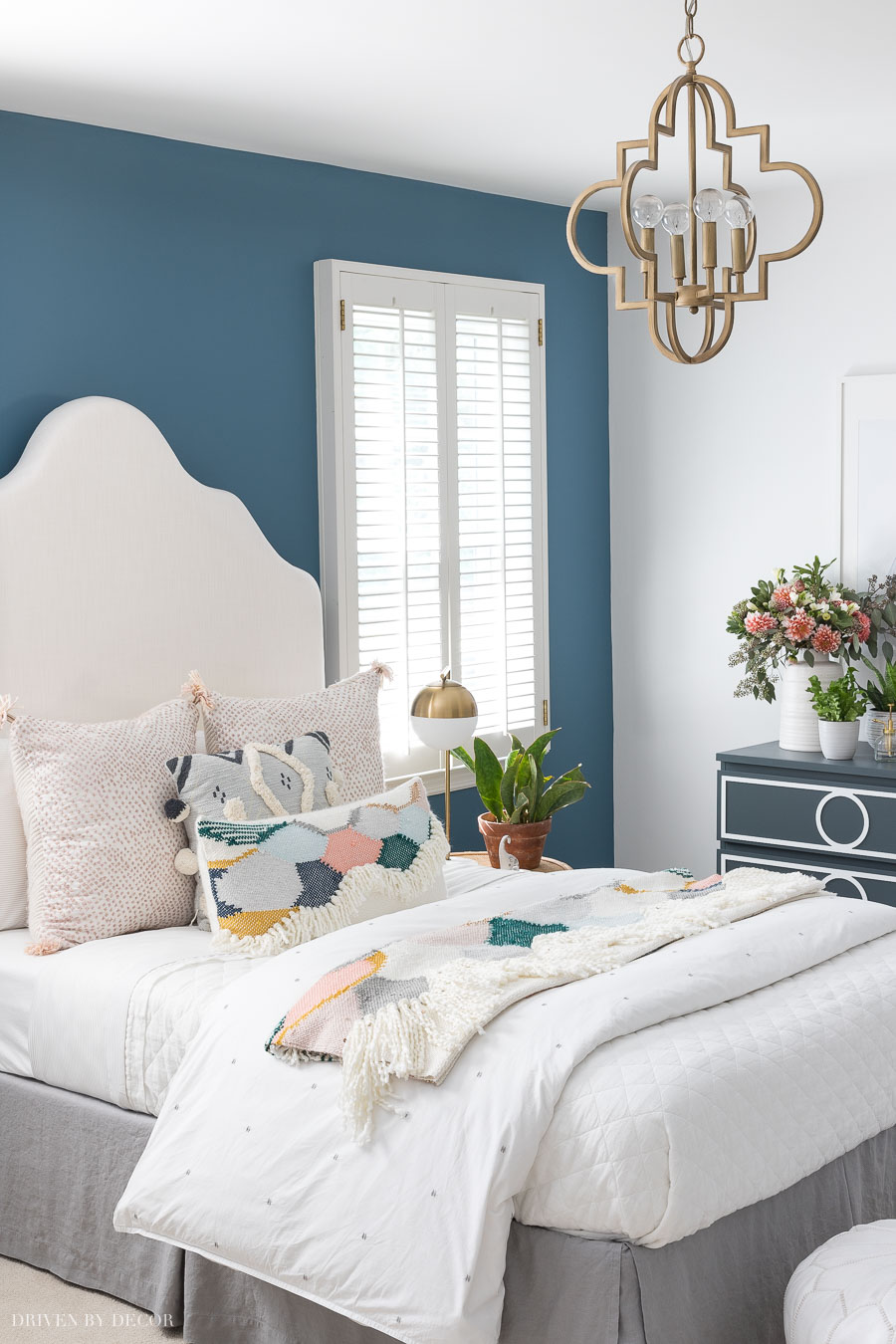 Colorful boho chic teen bedroom! All paint colors and sources included in the post!