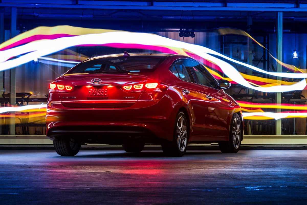 Verna Car Wallpaper Download 2017 Hyundai Elantra Wallpapers Hd Drivespark
