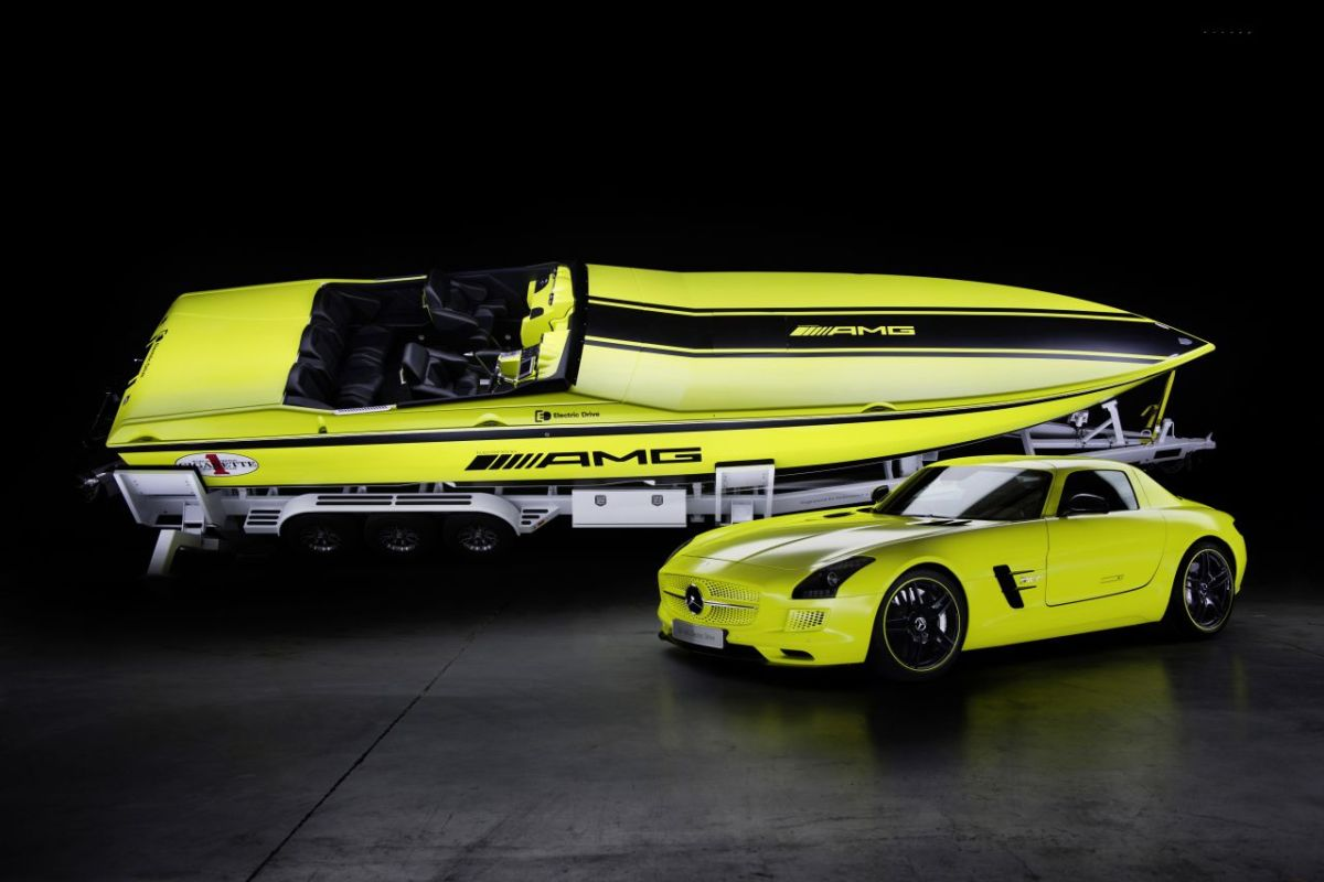 Mercedes SLS AMG Cigarette Racing Concept Offshore 1