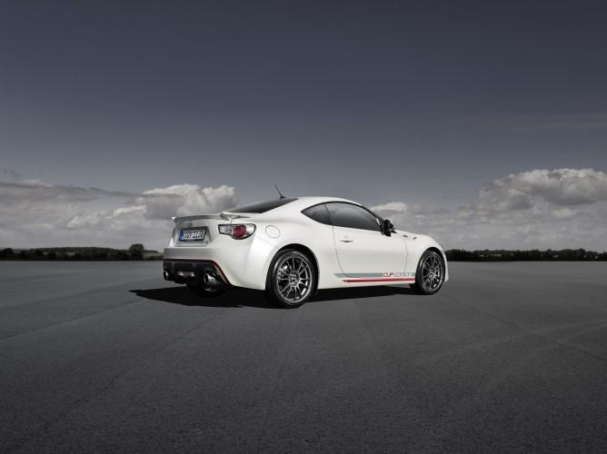 Toyota-GT86-Cup-Edition-2013-05