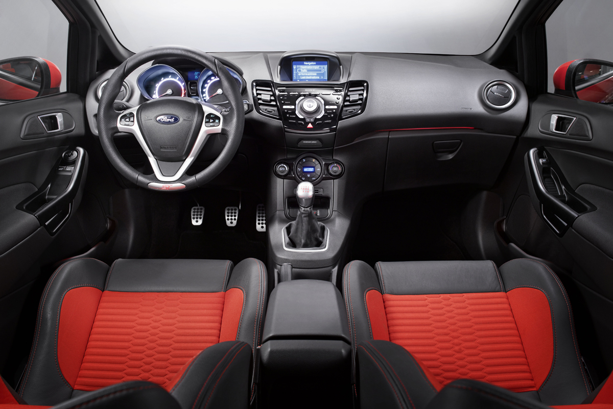 Ford Fiesta ST 2013 rood 05