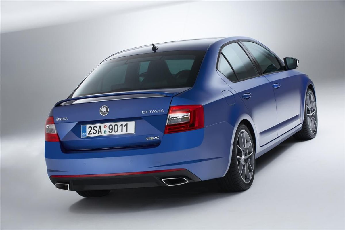 Skoda Octavia RS Combi Sedan blauw wit grijs Steel Grey Rallye Green Sprint Yellow TSI TDI 2013 034