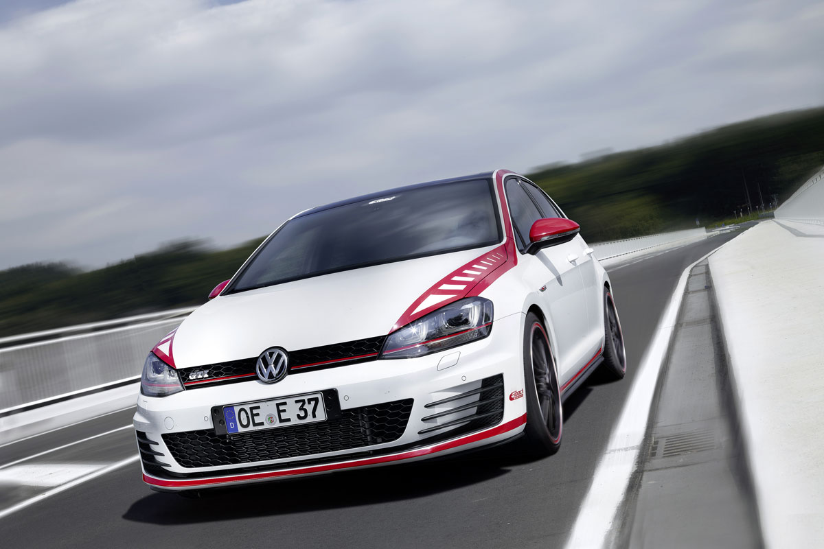 Volkswagen Golf 7 GTI Performance Eibach rood wit 2014 01