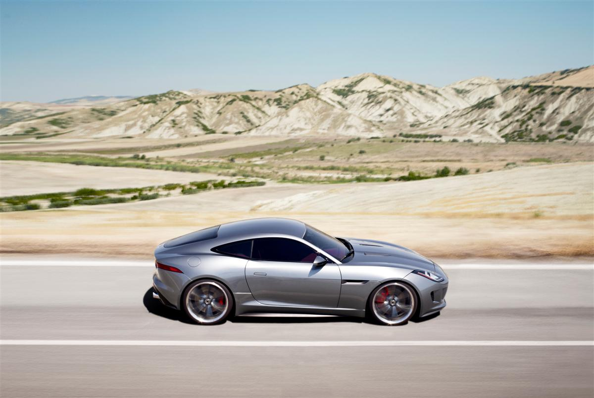 Jaguar C-X16 F-Type Coupe Concept 2011 12