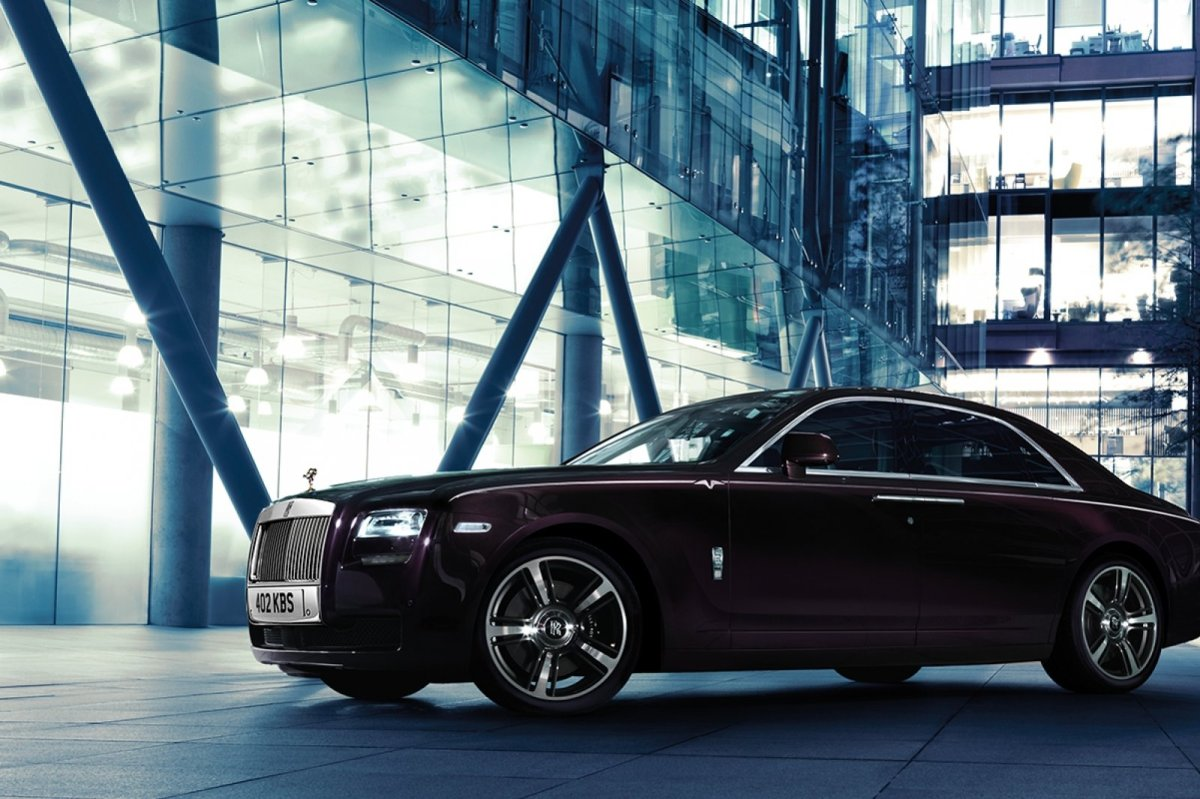 Rolls Royce Ghost V-specification paars blauw 2014 03