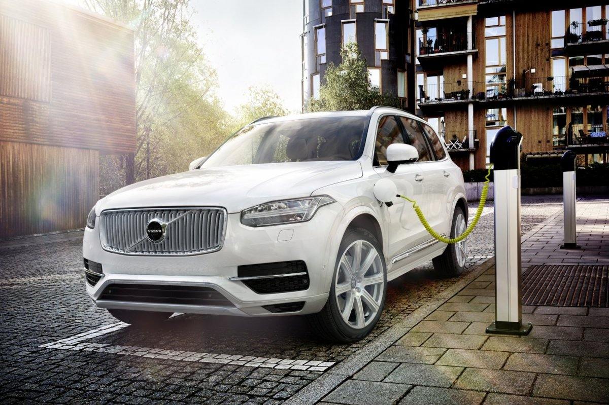 Volvo XC 90 First Edition D5 T6 AWD 1927 2015 brons zwart wit bruin 46