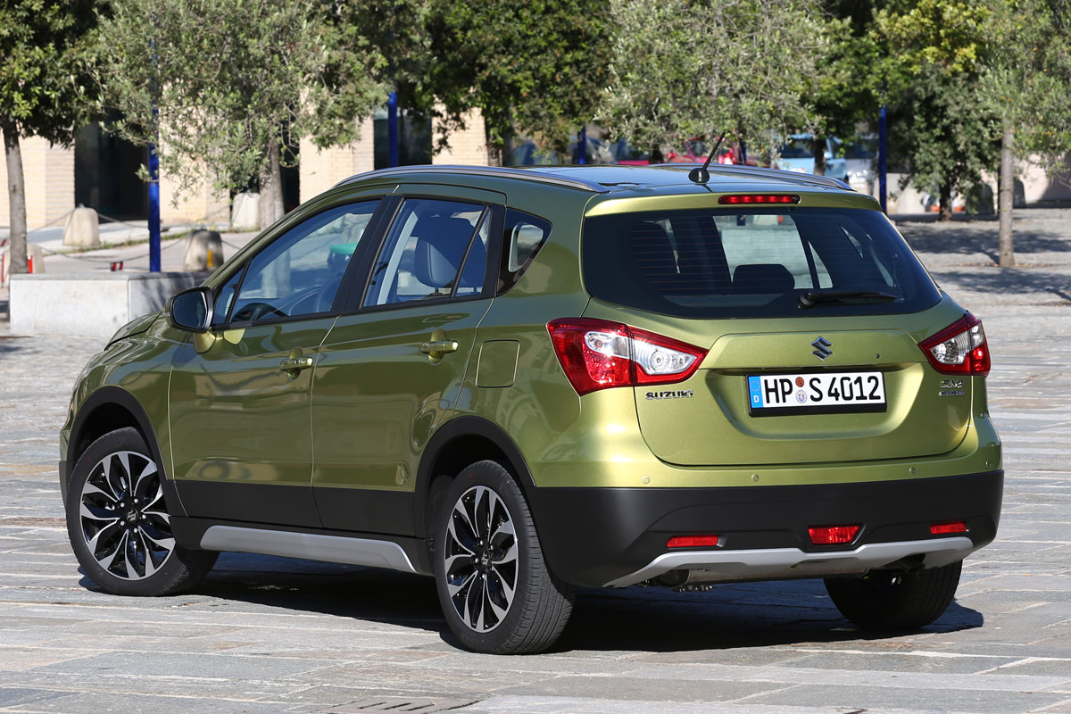 Suzuki S-Cross Exclusive panoramadak 02