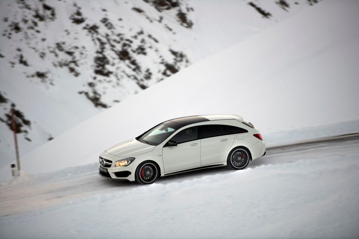 Mercedes CLA45 AMG 4-Matic Shooting Brake X117 wit 2015 05