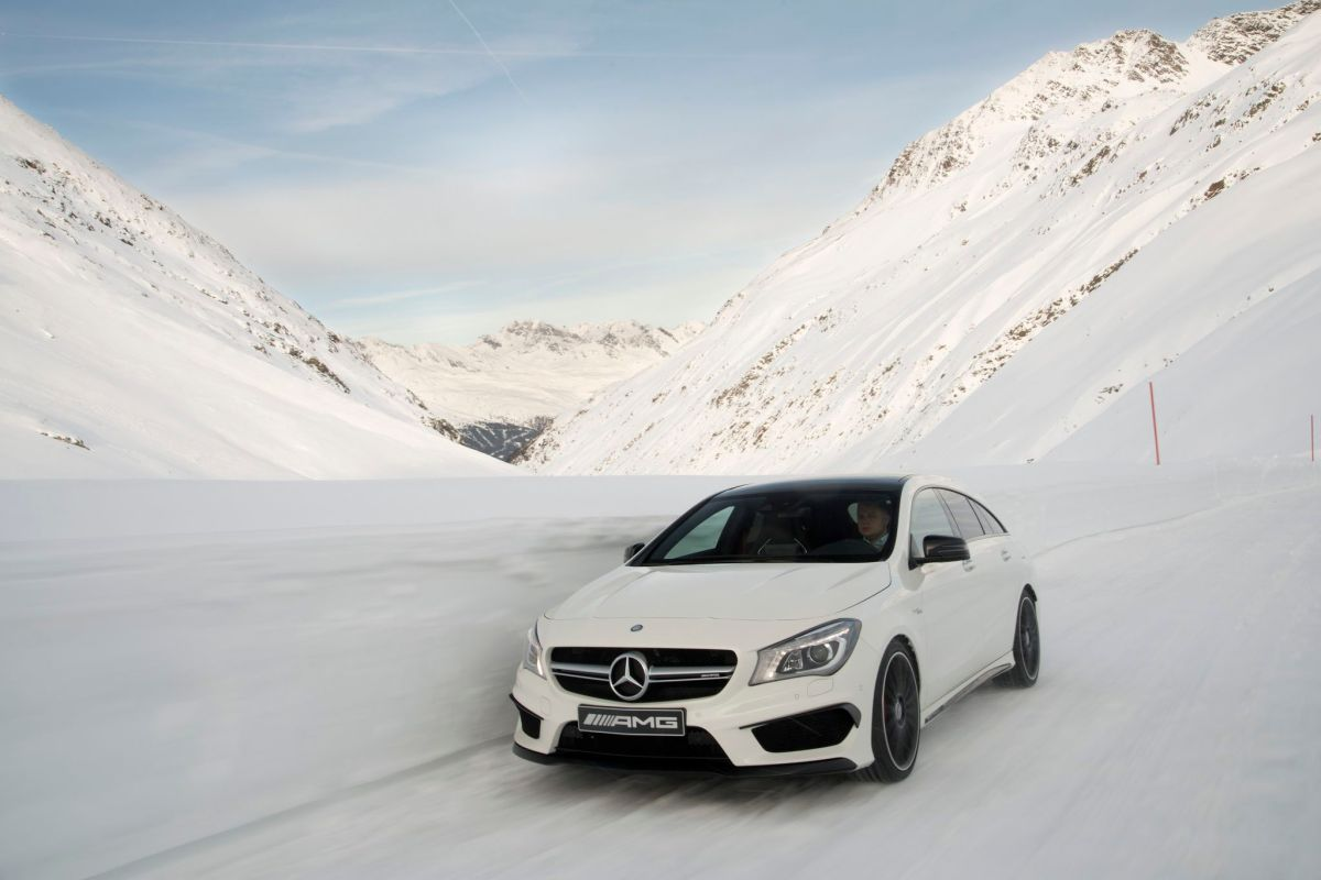 Mercedes CLA45 AMG 4-Matic Shooting Brake X117 wit 2015 07