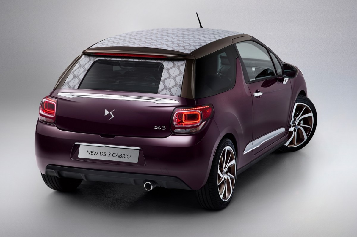 Citroen DS3 hatchback cabriolet 2016 12