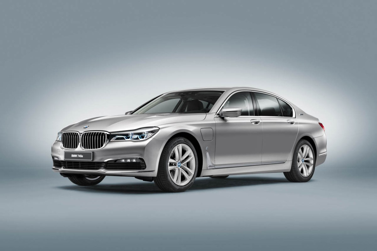 BMW-740e-iPerformance-01