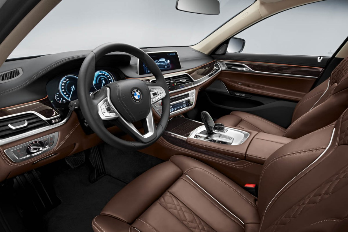 BMW-740e-iPerformance-14