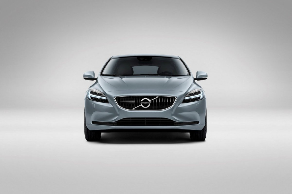Volvo V40 Cross Country facelift Thor 2017 08