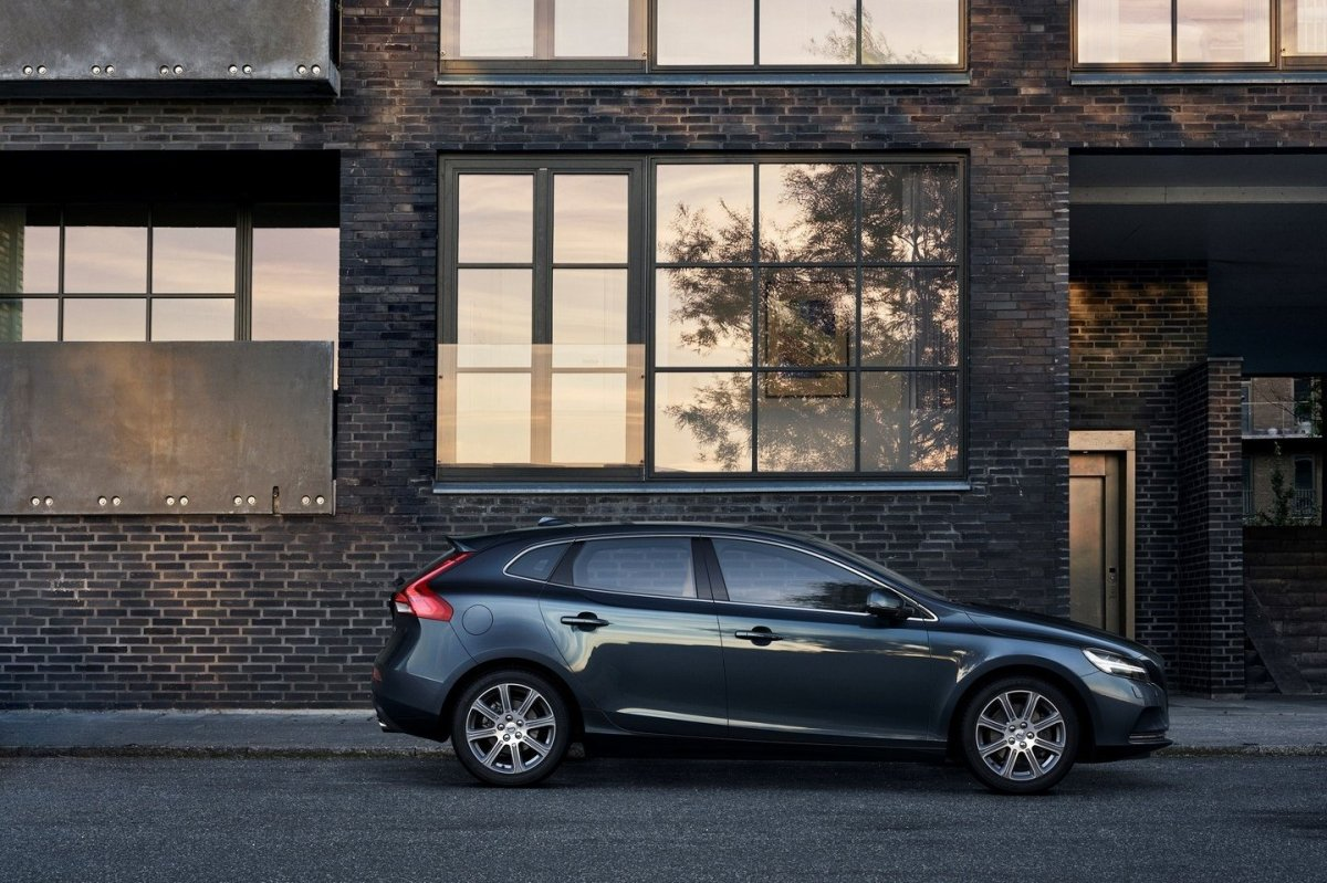 Volvo V40 Cross Country facelift Thor 2017 12