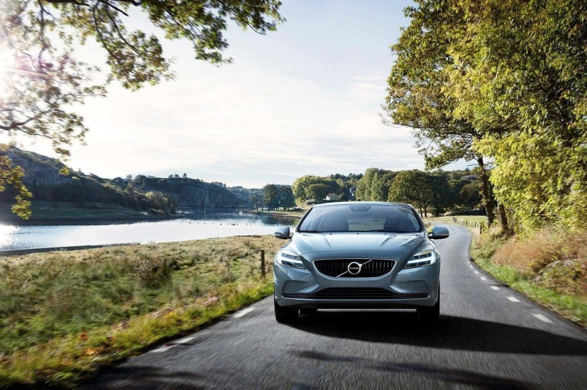 Volvo V40 Cross Country facelift Thor 2017 17