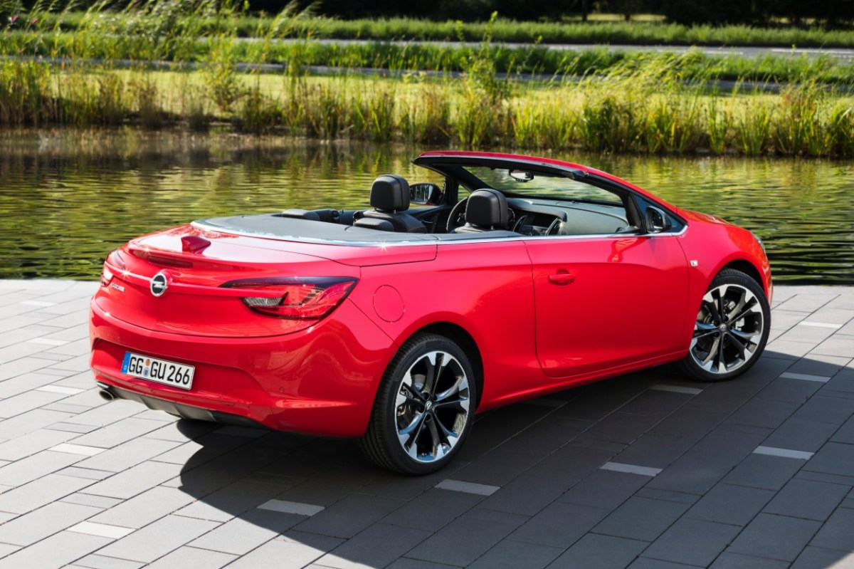Opel Cascada Supreme Pull me over rood red 2017 01
