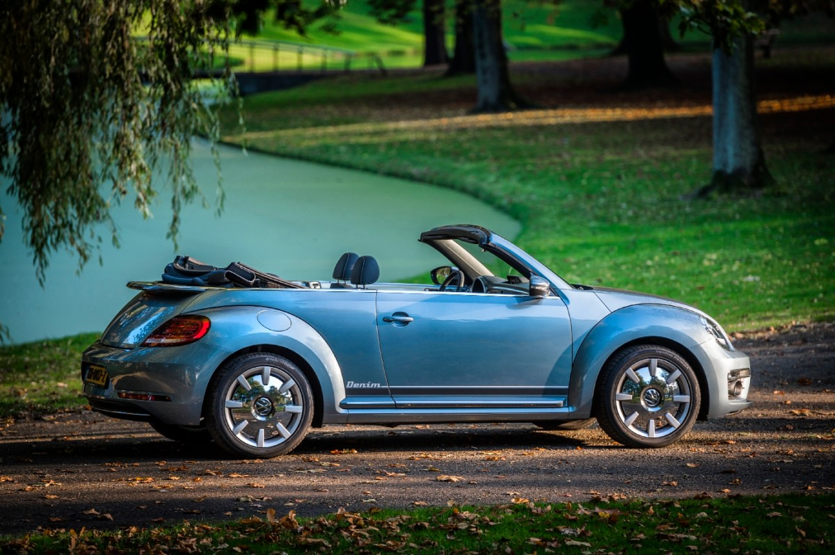 volkswagen-beetle-denim-cabriolet-exclusive-series-01