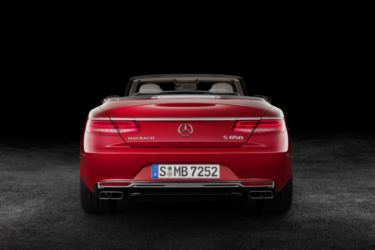 mercedes-benz-maybach-s650-cabriolet-v12-2017-03