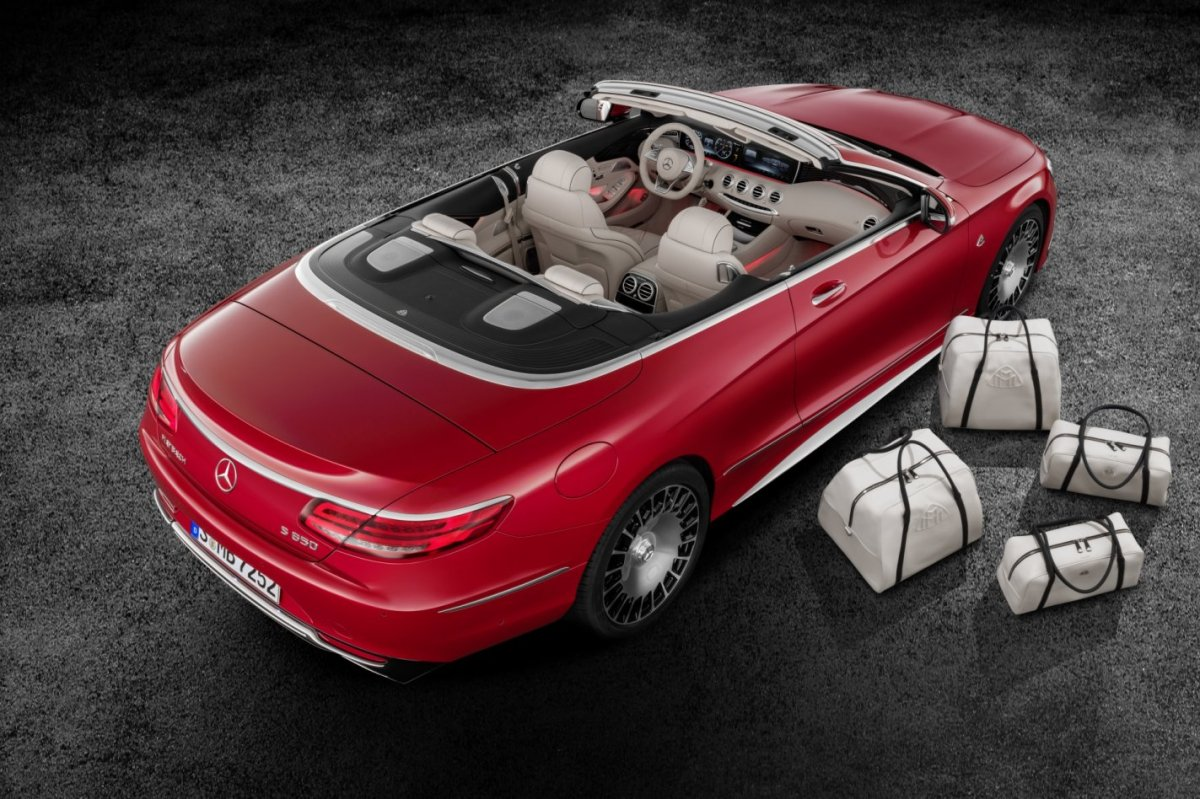 mercedes-benz-maybach-s650-cabriolet-v12-2017-06