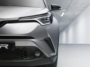 2016-GMS_Toyota-C-HR_05-1060x794