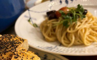 Tomatene fra i sommer ble til spagetti puttanesca