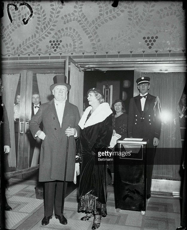 Major Bowes and wife at the opening of the R-K-O Roxy.