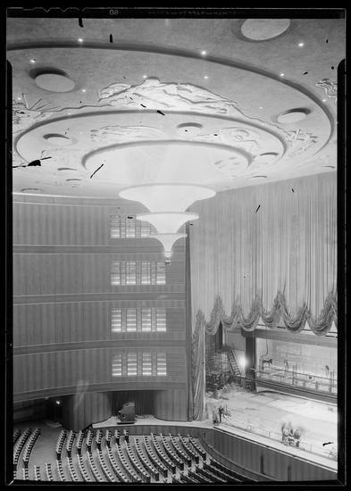 R-K-O Roxy auditorium in November, 1932.