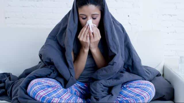 Suffering From Cough And Cold? Maintain Your Health During Seasonal Changes With These 5 Tips