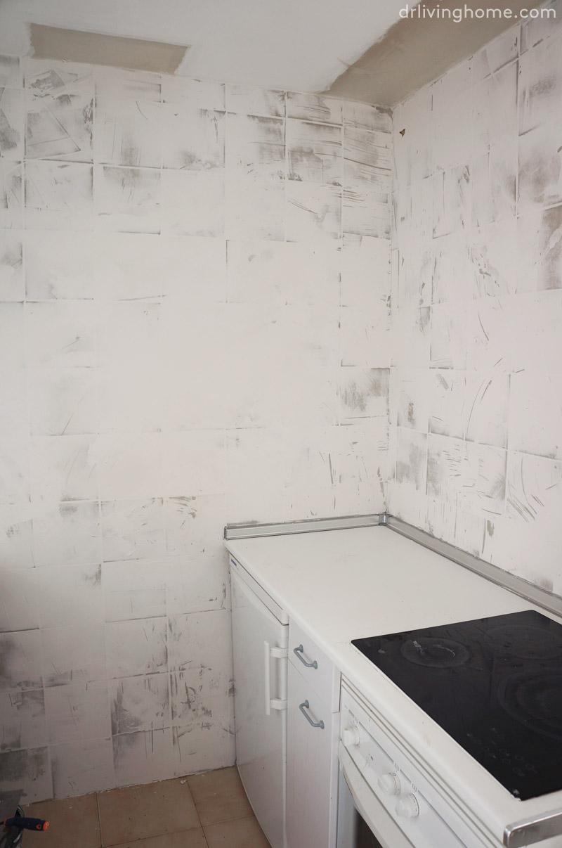 Renovar la cocina sin obras ii c mo tapar azulejos paso a for Azulejos para entradas