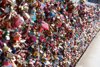 Schlösser auf der Hohenzollernbrücke