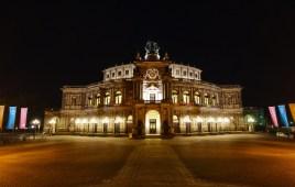 Dresden, Semperoper bei Nacht