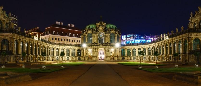Zwinger in Dresden bei Nacht