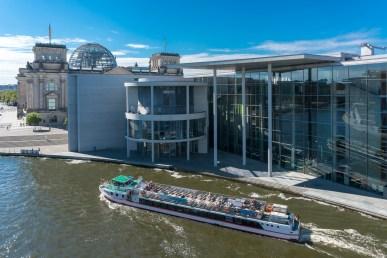 Paul-Löbe-Haus und Reichstag