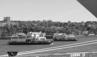 Le lien par bateau en les deux rives est de loin le plus écologique, rentable et urbain. Photo: Marc Boutin