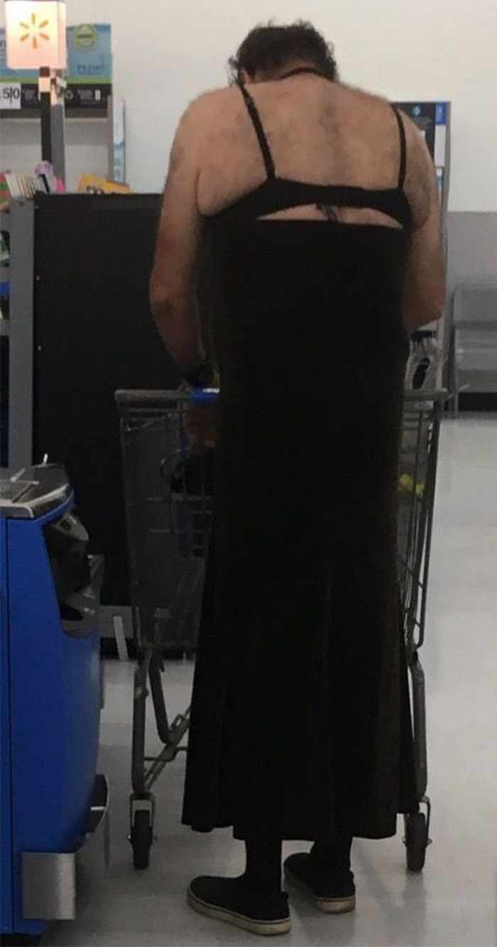 The 20 Most Ridiculous People of Walmart Photos -06