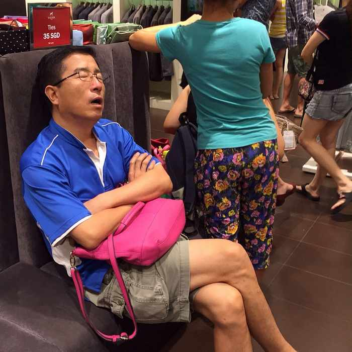 35 Funny Husbands Shopping With Their Wives Will Make You LOL -35