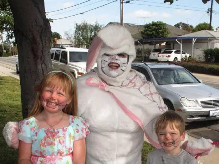 20 Creepy Vintage Easter Bunny Pics Guaranteed To Make You Say WTF -14