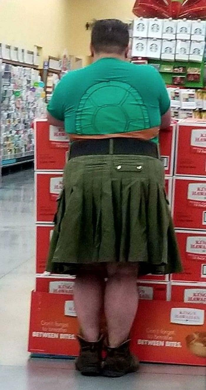The 24 Weird People of Walmart That Are on Another Level -05
