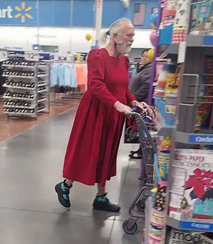 The 24 Weird People of Walmart That Are on Another Level -08