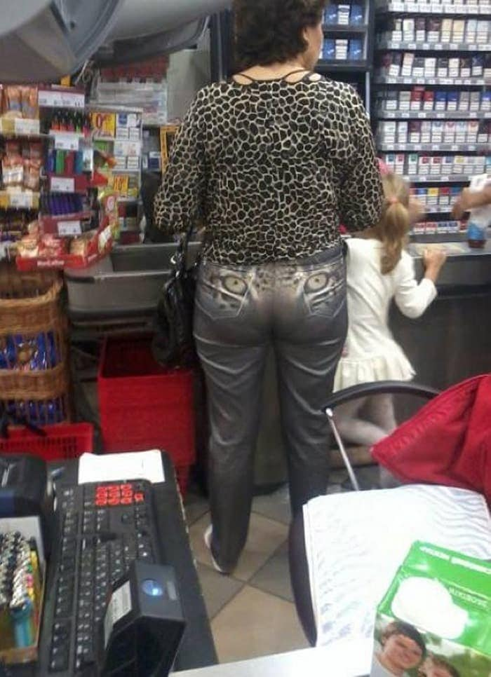 The 24 Weird People of Walmart That Are on Another Level -18