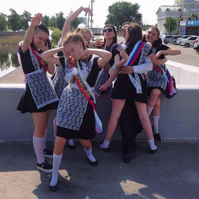 26 Funny Photos of Students Celebrating Graduation in Russia Will Blow Your Mind -20
