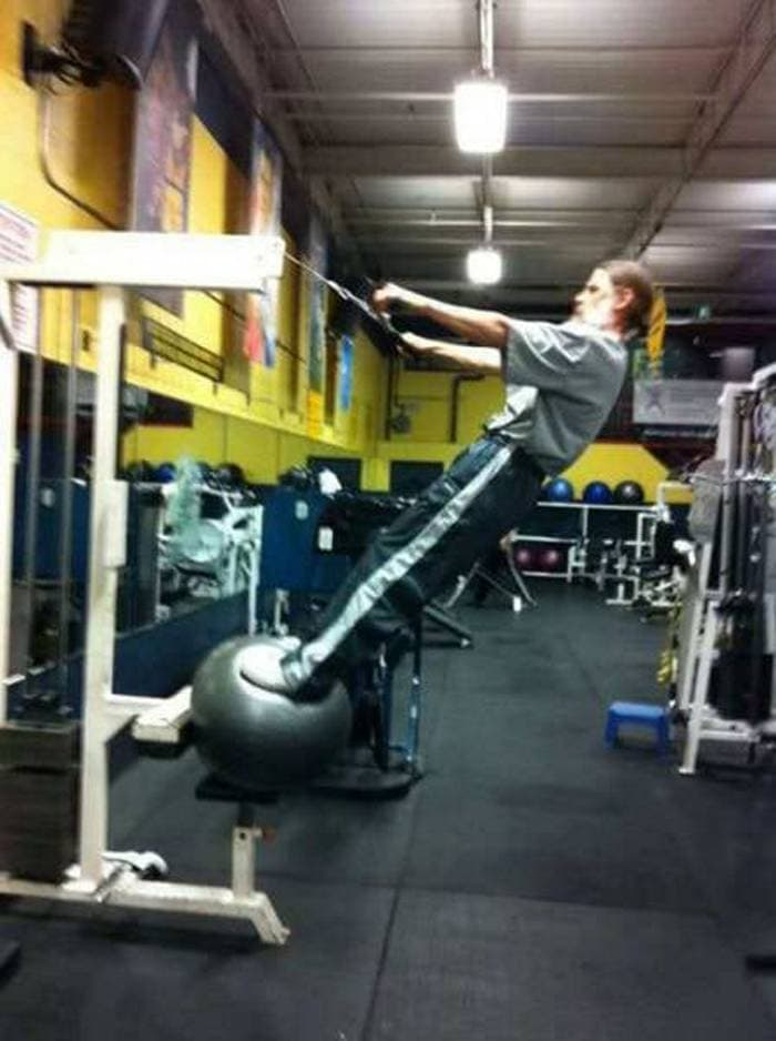 27 Epic Fail Gym Photos That Will Make Your Day -10