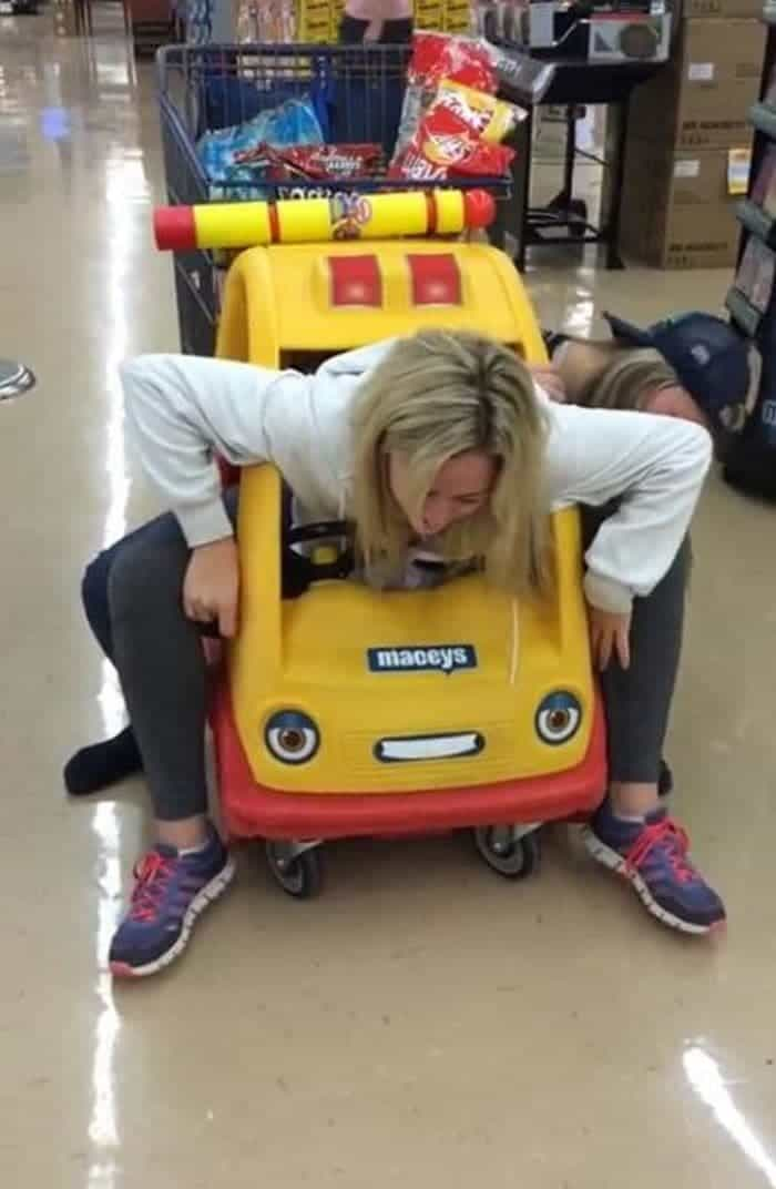 15 Epic Fail Pics of Girls Got Stuck in Trouble Will Shock You -03