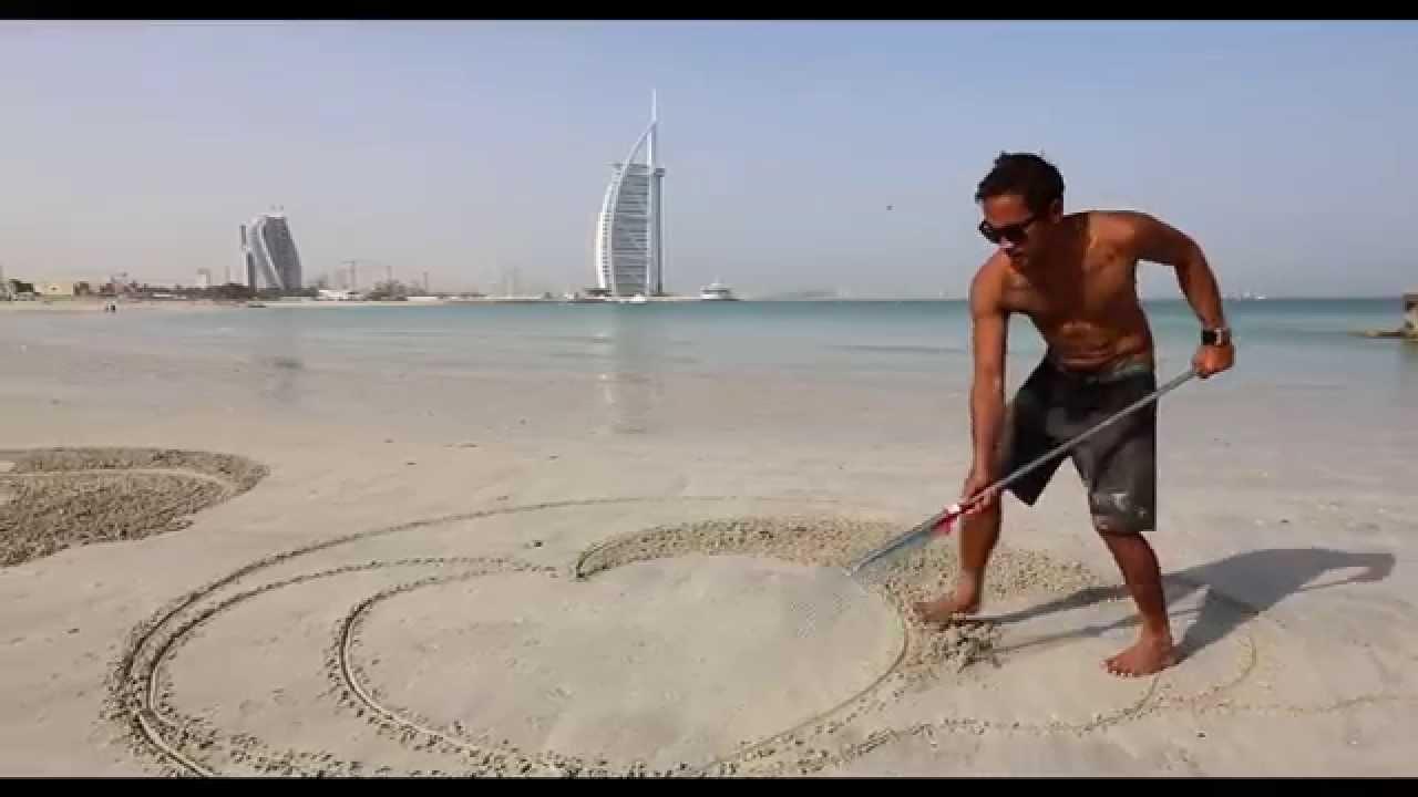 Filipino Sand Artist Nathaniel Alapide