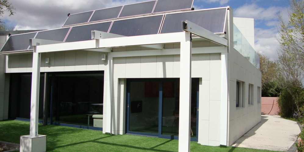 Interesante articulo en El Mundo, sobre casas autosostenibles.