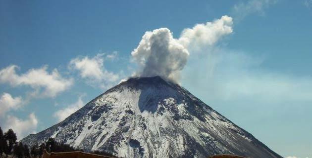 Impresionante explosión de un volcán en Mexico