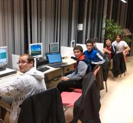 Jovenes Makers en el taller